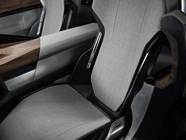 Peugeot-Concept-Exalt-Textil-Cuero