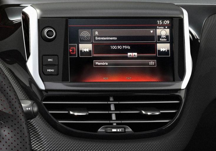 Tecnologia-Peugeot-Argentina-208GT