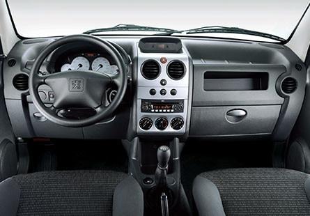 Peugeot_Argentina_Partnet_Furgon_Gris_Interior
