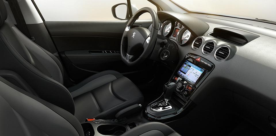 Interior-Peugeot-Argentina-408
