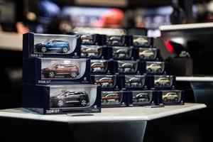 /image/15/8/boutique-miniatures.153758.342158.jpg