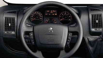 Peugeot-Argentina-Boxer-Volante
