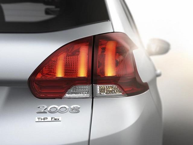 Faros-Peugeot-Argentina-2008